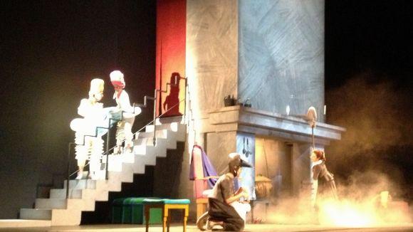 'La Ventafocs' de Comediants convenç les families de les virtuts de l'òpera