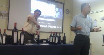 La manera més tradicional de fer el vi s'explica a l'Ateneu