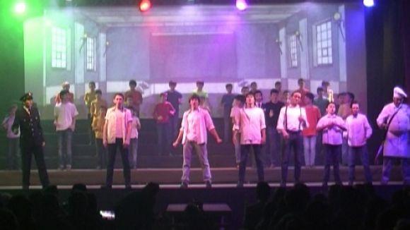 L'escola Viaró viatja al segle XX amb el musical 'Twenty'