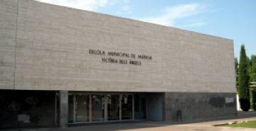 El SOM ofereix cursos d'idiomes, d'informàtica i de gestió de magatzem per als aturats