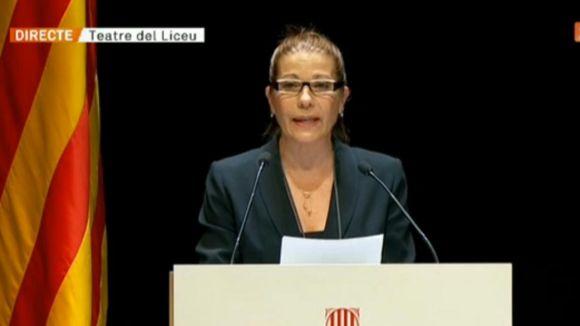 Emma Vilarasau rep la Creu de Sant Jordi i lamenta les injustícies socials