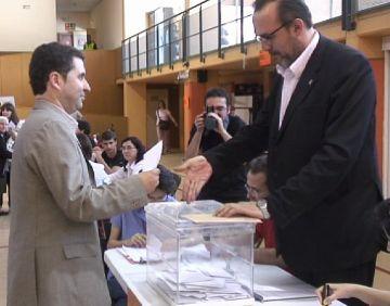 El candidat del PSC, Ferran Villaseñor, recorda la importància del dret al sufragi