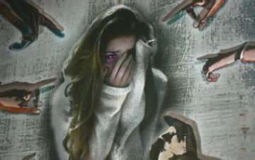 Joves propostes artístiques s'uneixen en una exposició de rebuig a la violència contra les dones