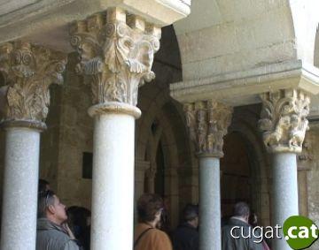 Els capitells i les llegendes, protagonistes de les visites guiades al Monestir