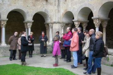 La visita guiada al Monestir ja és una activitat consolidada entre els santcugatencs