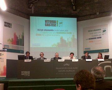 Sant Cugat dóna a conéixer les iniciatives d'estalvi d'aigua a Vitòria dins una trobada d'economia verda