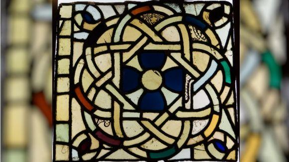 El CRBMC restaura un dels vitralls de l'església del Reial Monestir de Santes Creus