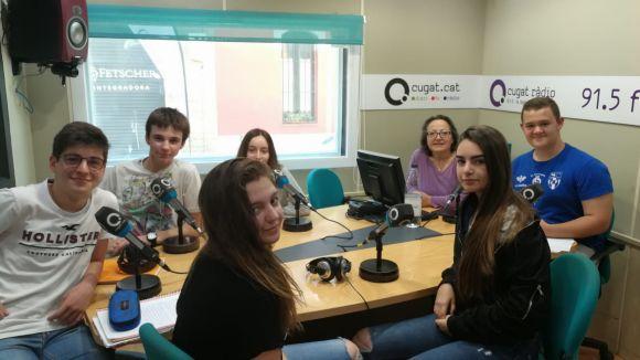 Els alumnes del Leonardo da Vinci amb la presentadora Carme Reverte