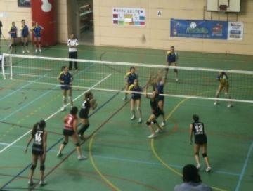 El Club Voleibol Sant Cugat assoleix les semifinals per la via ràpida