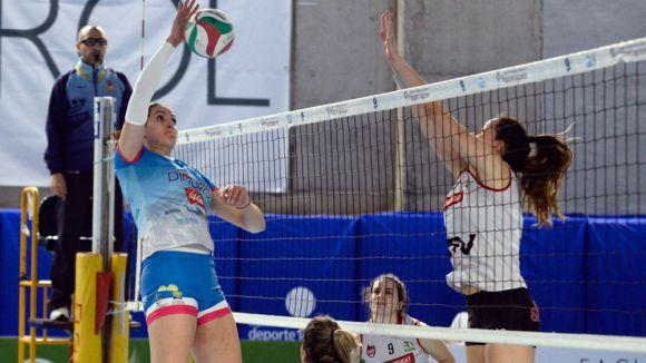Instant d'un partit d'aquesta temporada del Volei Sant Cugat / Font: Rfevb.com