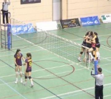 Un sensacional CV Sant Cugat guanya el gran derbi del voleibol català