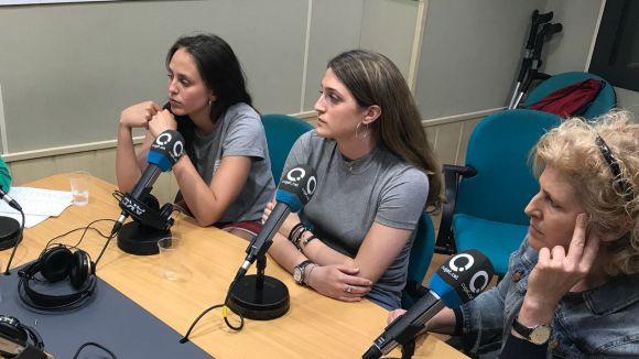 D'esquerra a dreta, Magalí Montoro, Maria Señé i Núria Terribas a l'estudi Ramon Barnils