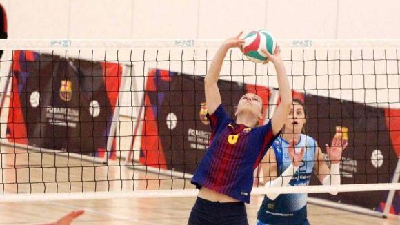 Maria Sanchís en acció en un partit amb el CV Barcelona / Font: Xavi Vegas