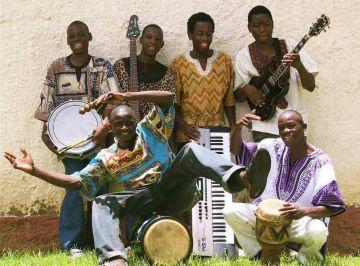 El grup de Zimbabwe Mookomba passa una setmana a Sant Cugat