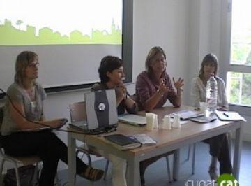 Una xerrada aclareix els drets socials amb què compta la ciutadania