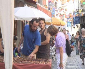 La Festa Major proporciona als artesans un espai per exposar els seus productes