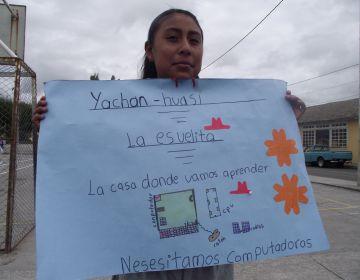 Escoles rurals de l'Equador rebran 38 ordinadors gràcies a una ONG santcugatenca