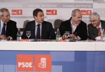 Tots els socialistes donaran suport als pressupostos dels consistoris, segons Zapatero