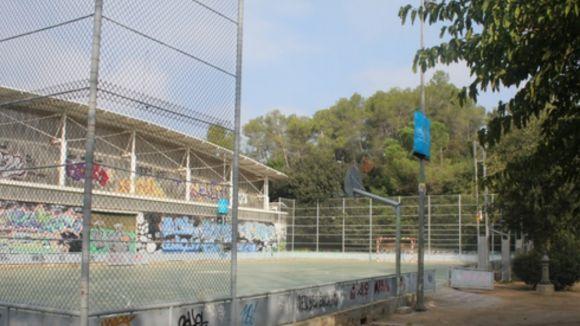 La pista de bàsquet de Can Llobet ja disposa d'una coberta total de ràfia